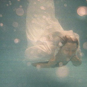 Take the plunge into the dream~