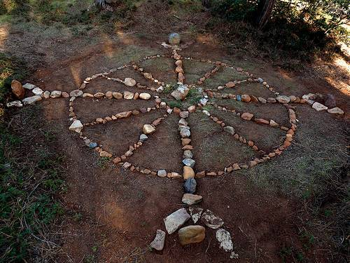 ritual in indigenous spirituality Indigenous spirituality indigenous people did not all follow one particular religion certain beliefs were widespread among different groups beliefs and traditions formed an integral part of everyday life.